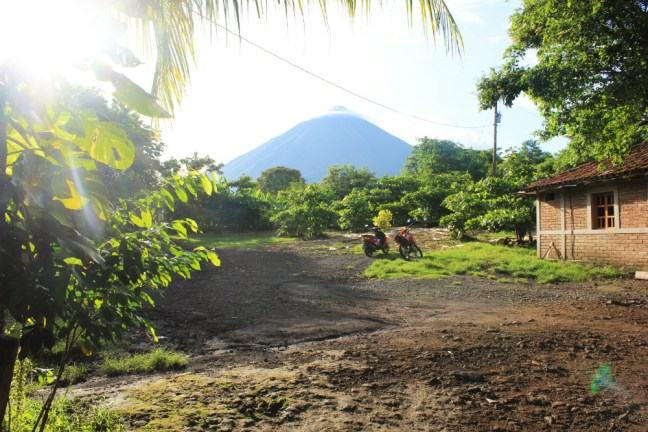 Rent a scooter on Ometepe Island - Charlie on Travel
