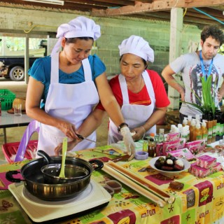 Making mangosteen soap in bamboo with Huai Raeng community