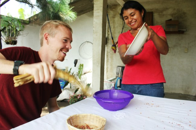 peanut-butter-workshop-with-de-la-gente-antigua-guatemala-charlie-on-travel-fanning-peanuts