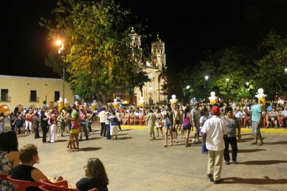 Sunday night Valladolid Mexico - Charlie on Travel