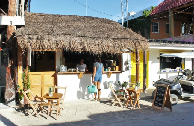 Tierra Mia Juice & Coffee Isla Holbox Mexico - Charlie on Travel