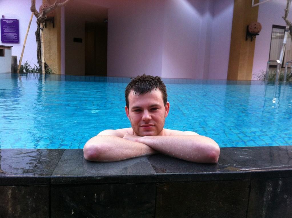 Me-in-pool