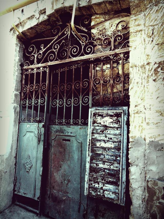 Brama do jednego z podwórek.