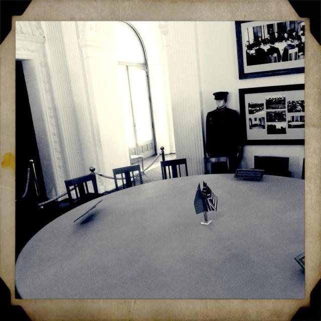 Stół przy którym dzielono świat.