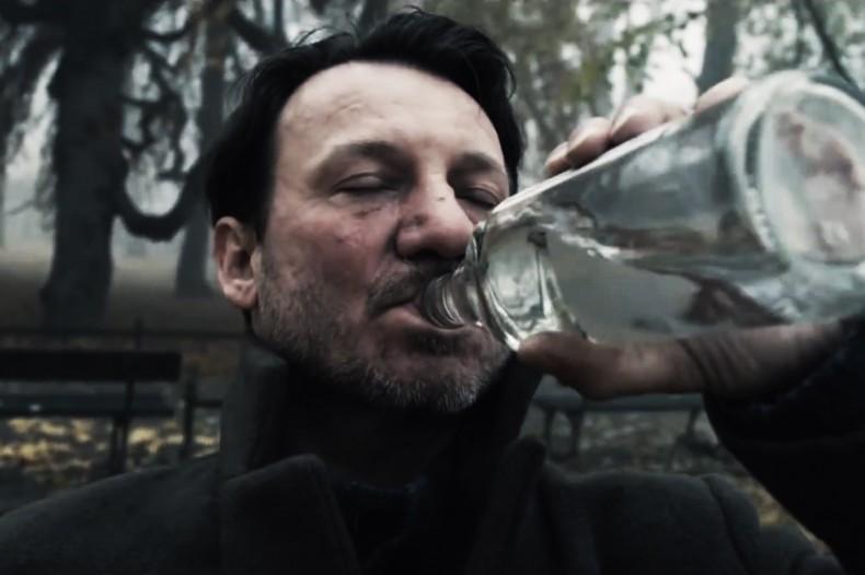 Wpis będzie ilustrowany fotografiami z filmu Smarzowskiego, bo premiera tej ekranizacji spowodowała, że przeczytałem książkę. Źródło: http://mediarivermagazine.pl/filmy/pod-mocnym-aniolem/