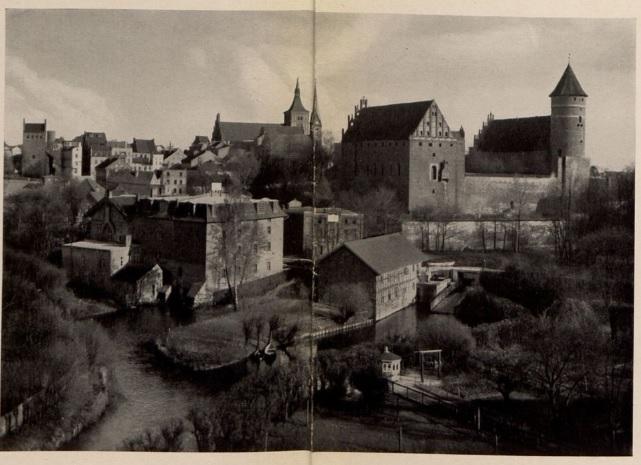 Panorama Olsztyna z przedwojennego, niemieckiego przewodnika. Źródło: http://polona.pl/item/1874321/0/