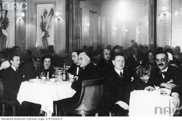 Inauguracja Kabaretu Femina, 1932. Źródło: https://audiovis.nac.gov.pl/obraz/151685/94bc907de9bd18014edc22897526d609/