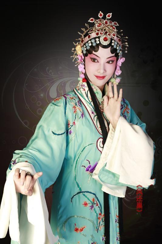 Yue Liang Dai Biao Wo De Xin – The Moon Represents My Heart