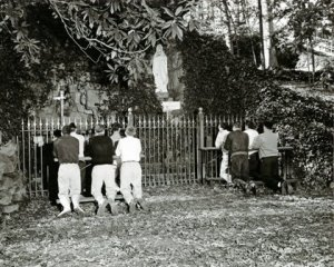 belmont_abbeygrotto_students_undated_websmall
