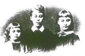 Charlotte Mew's sibs