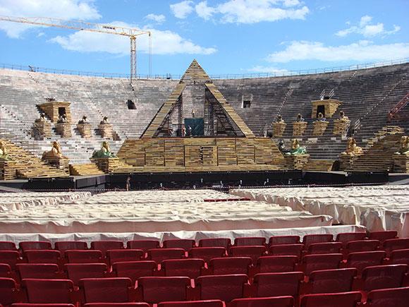 Aida-set-Large