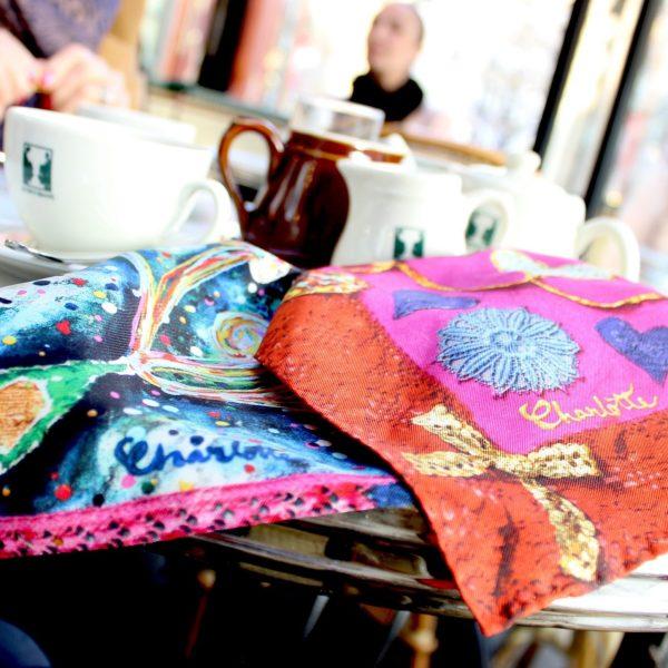 charlotte_olsson_art_design_pattern_swedishart_champagne_recyclingart_silk_exclusive_original_heart_pocketsquare_gentlemen_näsduk_classicstyle