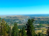 On the top of the hill, from the Buffalo Bill Museum, you ave a great view over the whole valley below.