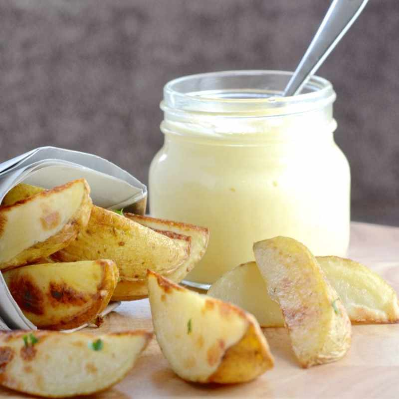 This homemade mayonnaise recipe is really quick and simple to make and tastes delicious.
