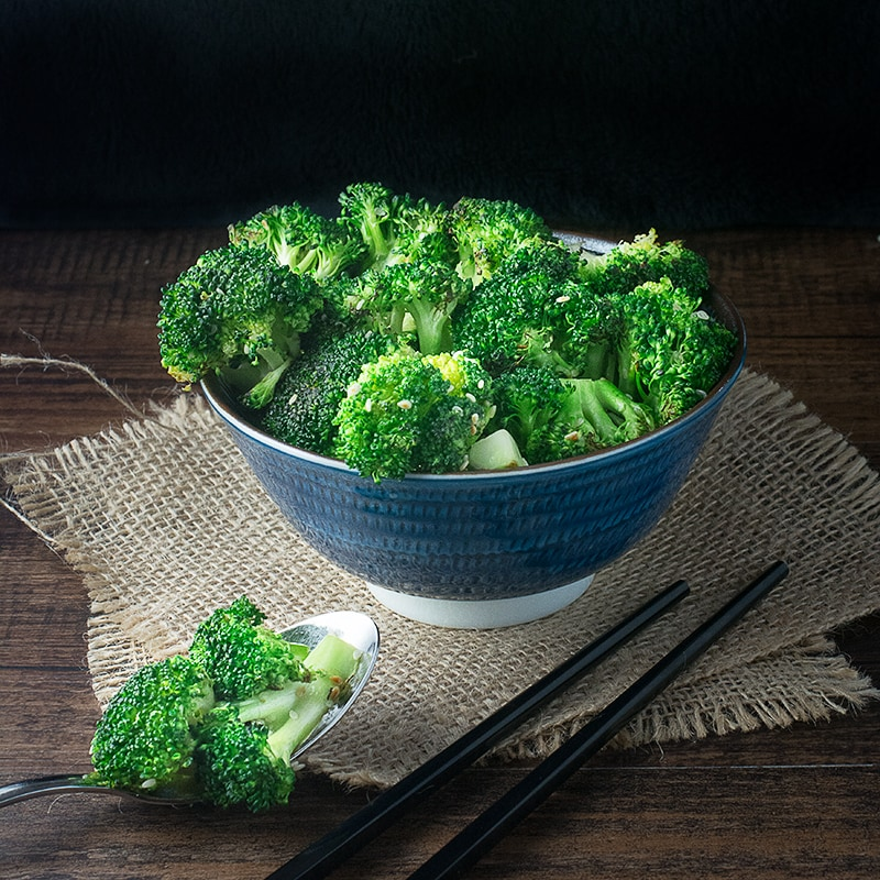 Stir Fry Sesame Broccoli, a quick, easy, delicious and nutritious asian inspired side dish. width=