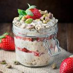 Strawberry-maple-and-pistachio-overnight-oats-11