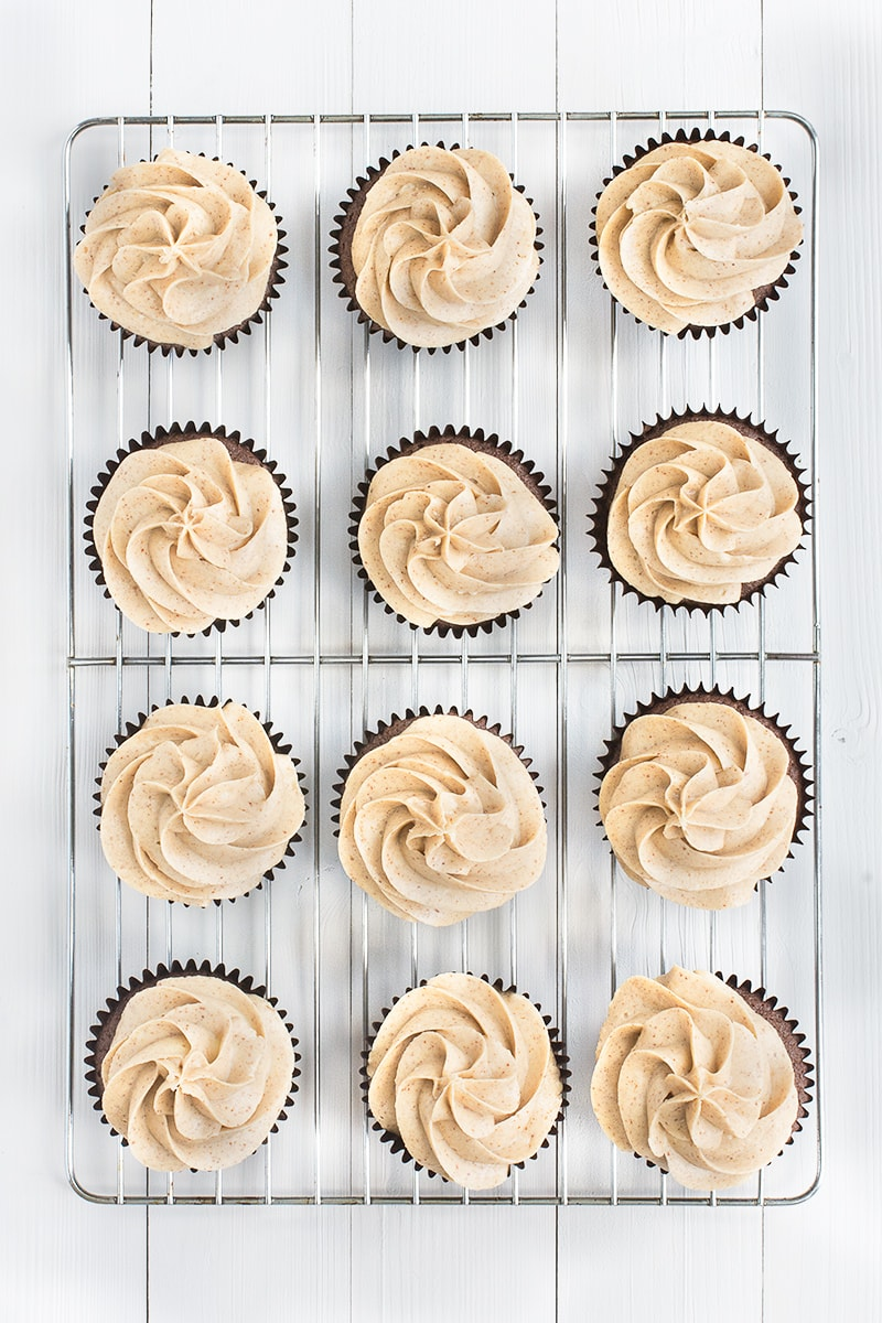 All the flavour of peanut butter in a smooth buttercream - perfect for piping onto cupcakes, covering layer cakes, or filling biscuits and macarons.