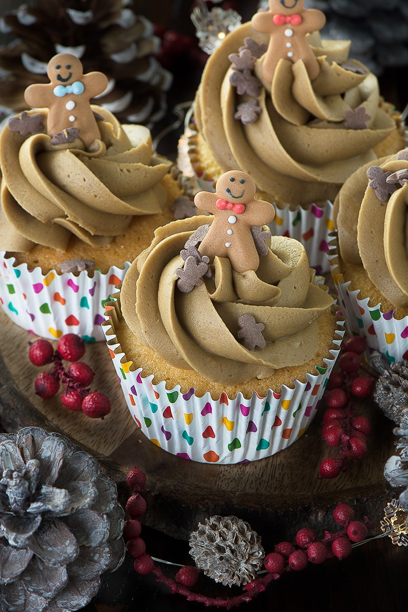 If you're a fan of gingerbread men then you'll love this delicious, smooth gingerbread buttercream, flavoured with ginger and black treacle.