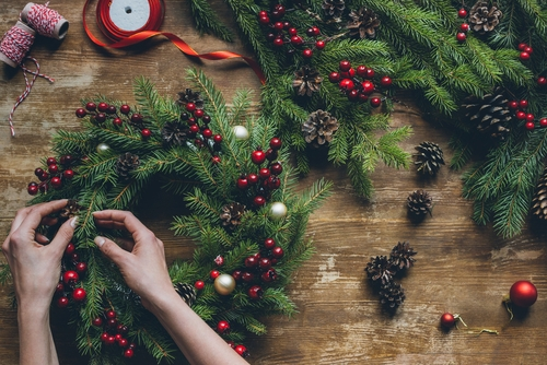 photo of making a Christmas wreath