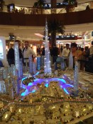 A model in the Mall of the Emirates of the center of Dubai
