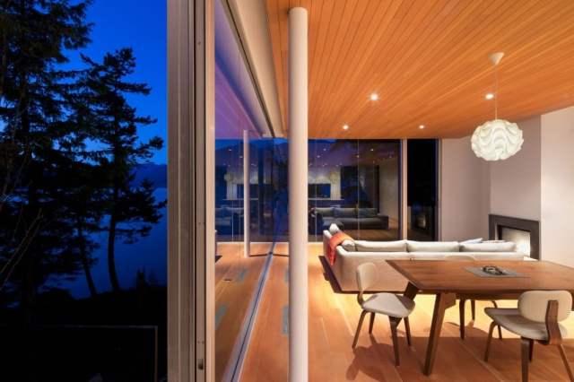 マクファーレン・ビガー・アーキテクツ+デザイナーによる岩場の劇的な島の隠れ家(11)