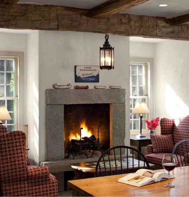 キッチン-暖炉-ファームハウス