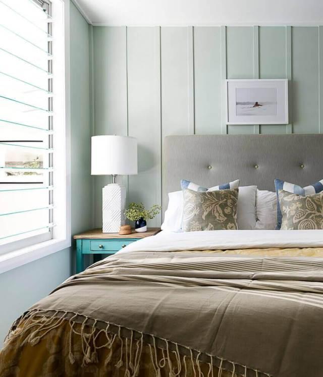 寝室の羽目板