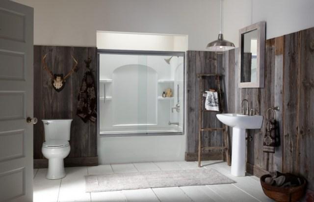 50.バスルームのタイルを木製パネルに置き換える