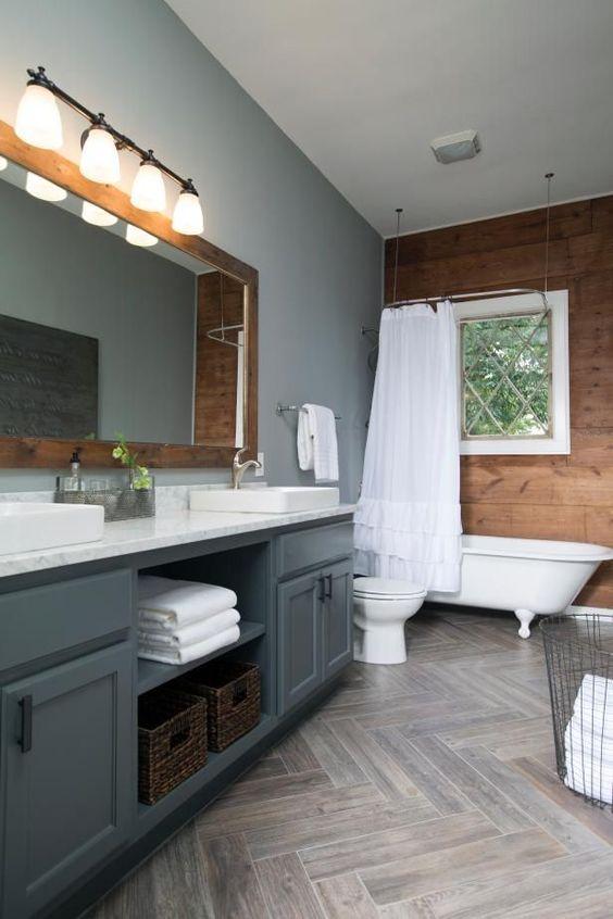 47.木製の壁とグレーの色