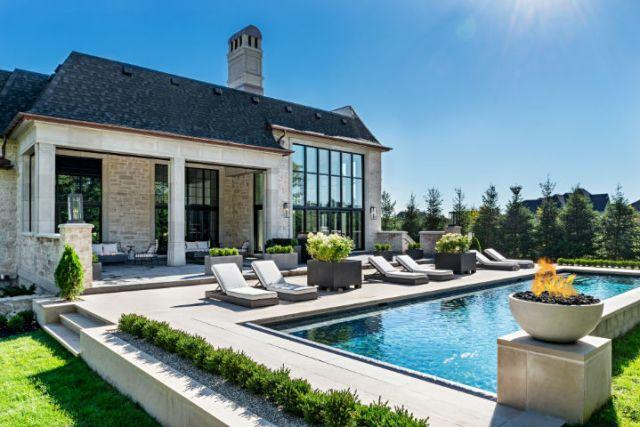 贅沢な前衛的なカナダの家9