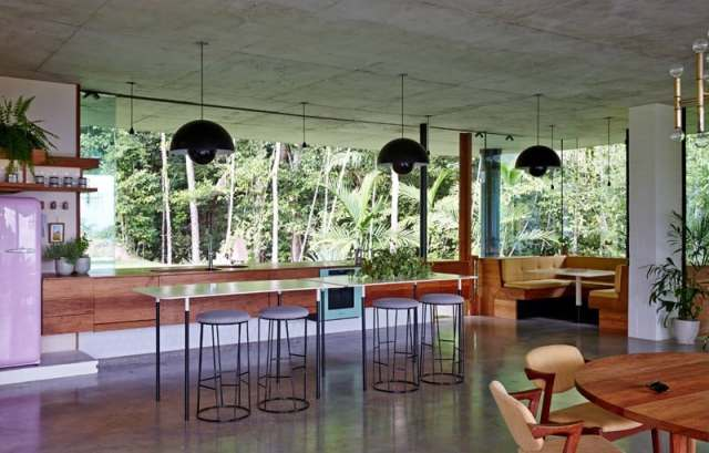 彫刻的コンクリートのホモ美学によって定義されたオーストラリアの熱帯プランコネラハウス(12)