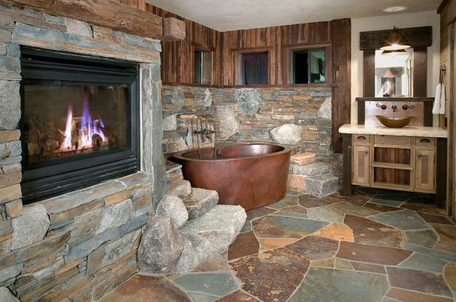 06-AD-Copper-bathtub-and-Flagstone-Slate-create-a-fabulous-rustic-bathroom