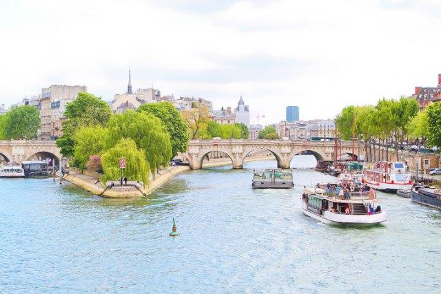 パリ旅行を計画する