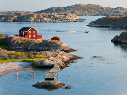 画像に含まれるもの:自然、海岸線、水、屋外、土地、海、海、建物、海岸、建築、タワー
