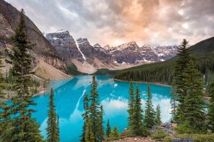 画像に含まれている可能性があるもの:自然、水、植物、木、屋外、モミ、アビー、湖、風景、風景、パノラマ、荒野