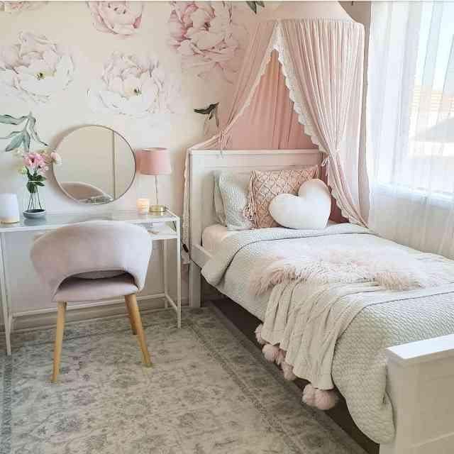 女の子の部屋のロマンチックな寝室のアイデア