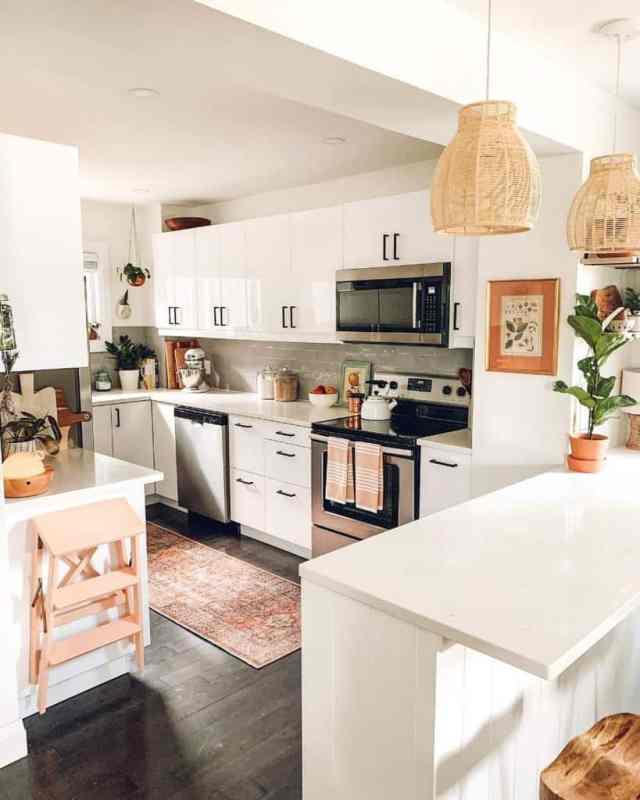 フレームキッチンの壁の装飾のアイデアintentionalspace