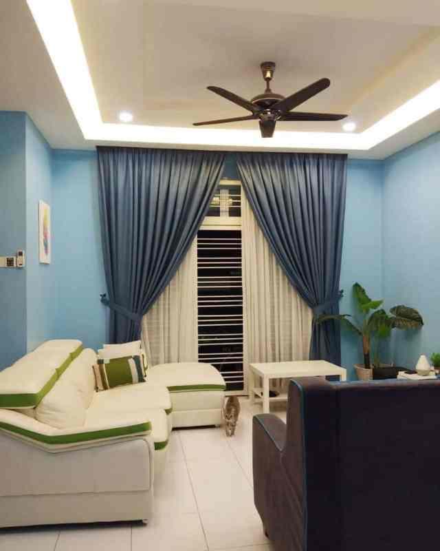 緑青のリビングルームのアイデアraudhahhome