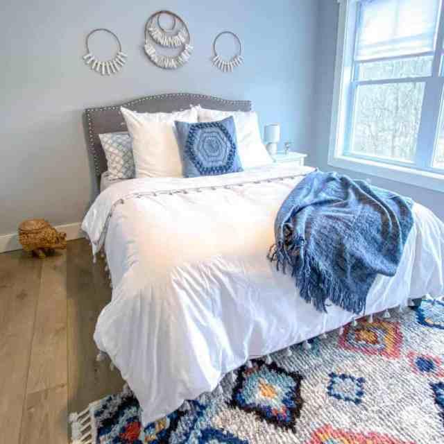 タペストリーと壁掛け寝室の壁の装飾のアイデア