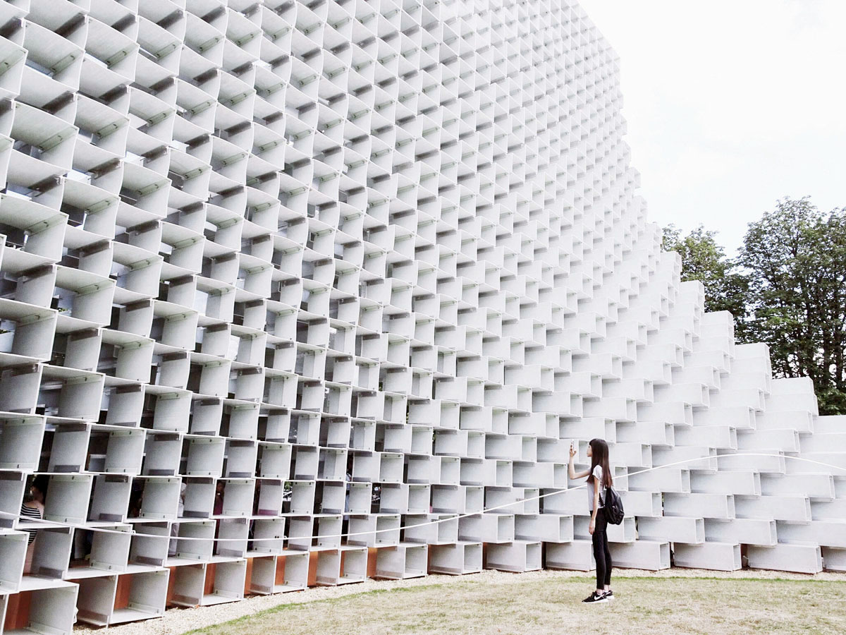 Travelling solo to London - Serpentine Pavilion 2016 by BIG (Bjarke Ingels Group)