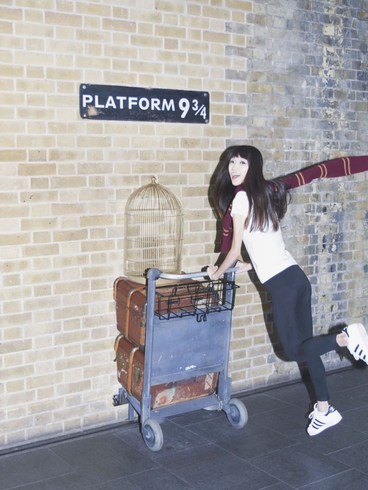 Travelling solo to London - Platform 9 3/4 at King's Cross Station