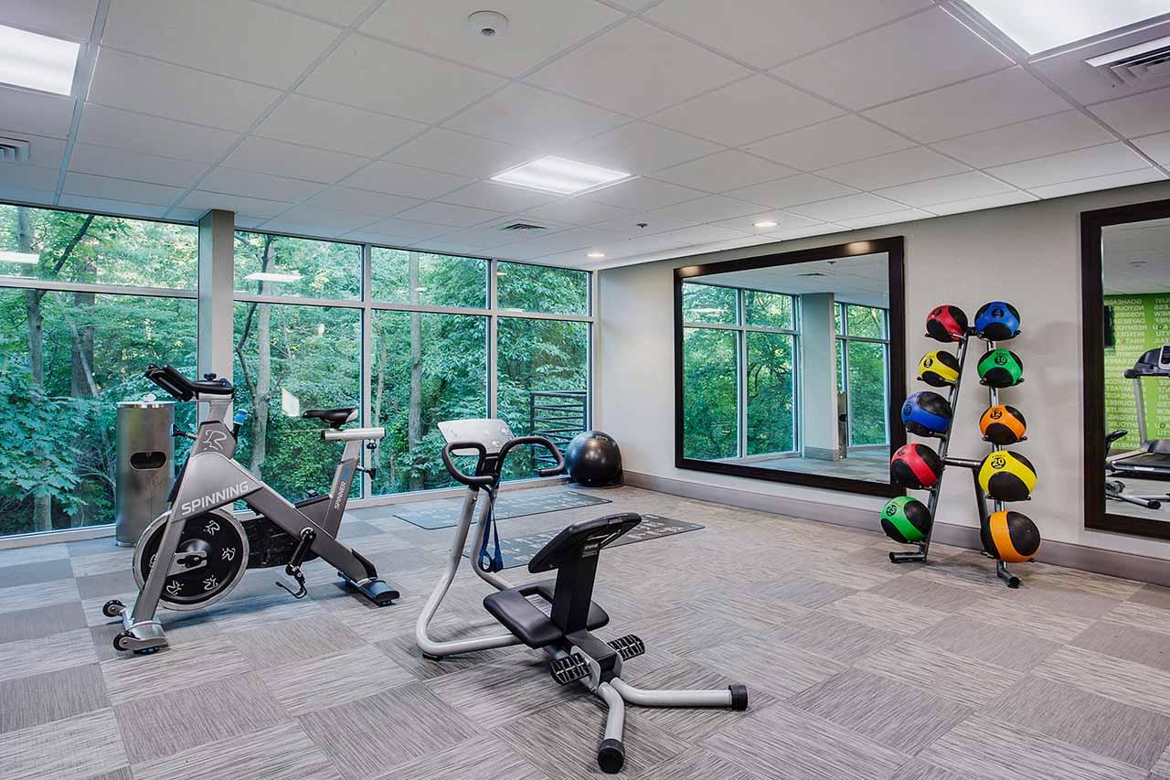 hotel fitness room