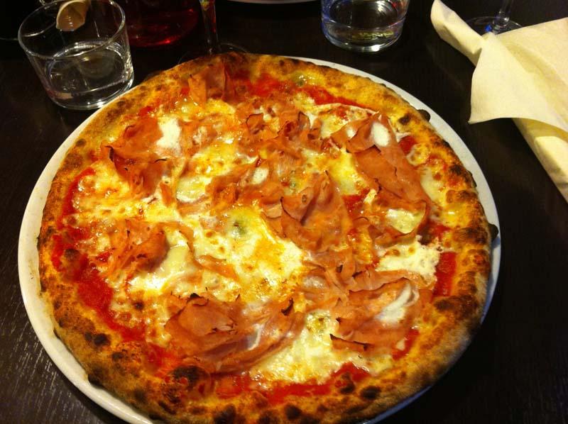 la-pizzeria-mogelli-tournefeuille-1-charonbellis-blog-mode-et-beautecc81