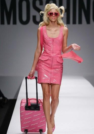 moschino-x-barbie-collection-spring-summer-2014-2015-5-charonbellis-blog-mode