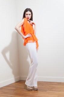 pe2015-fatima-guerrout-top-mandarine-pantalon-blanc-charonbellis-blog-mode