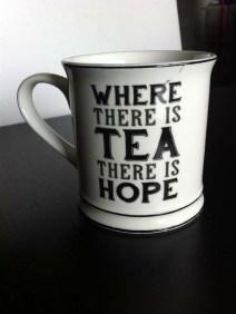 mug-where-there-is-tea-there-is-hope-sass-belle-shopping-london-charonbellis-blog-mode-et-beautecc81