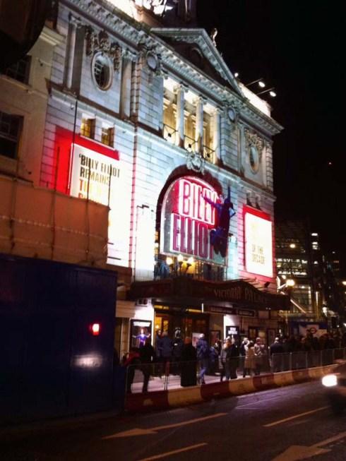 Voir une comédie musicale à Londres - Billy Elliot au Victoria Palace Theatre (1)- Charonbelli's blog mode beauté lifestyle