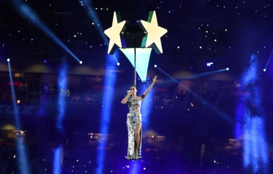 katy-perry-half-time-super-bowl-2015-4-charonbellis-blog-mode-et-beautecc81
