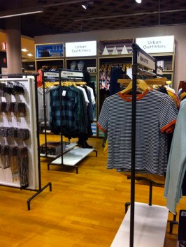 urban-outfitters-decc81barque-aux-galeries-lafayette-toulouse-7-charonbellis-blog-mode
