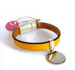 Bracelet en cuir avec médaille et fermoir aimanté jaune My lovely bird - Ma sélection shopping spéciale fête des mères - Charonbelli's blog mode et beauté